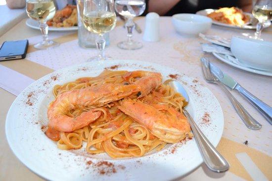 Aris Restaurant