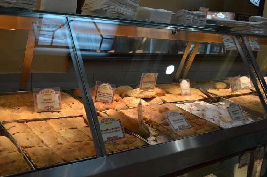 Ariston Bakery