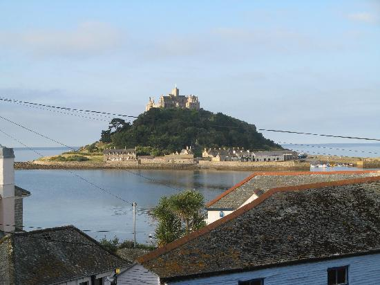 Marazion Hotel: View over roof tops