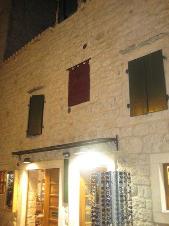 House Ivancic