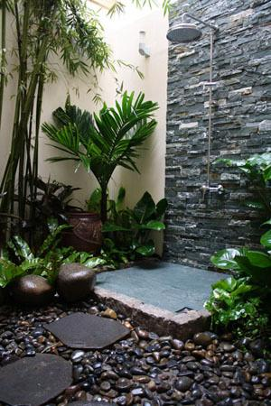 Spa Tropic Outdoor Rainshower - Picture of Spa Tropic, Ho