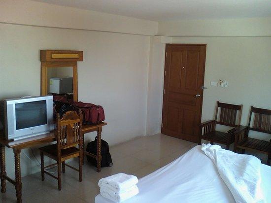 Submukda Grand Hotel: TV