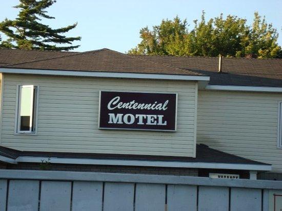 Centennial Motel: Motel