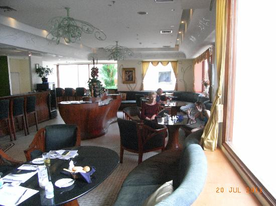 Les Anges: Great decor and fitout