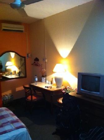 Rasa Eksotika Vacation Home: Chomel