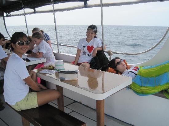 Aqua Center Thailand: pre-dive briefing