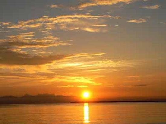 Uroa White Villa: Sunrise view from White Villa