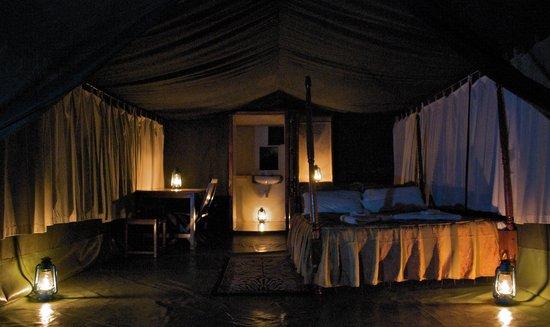 Kichakani Mara Camp: Tent interior
