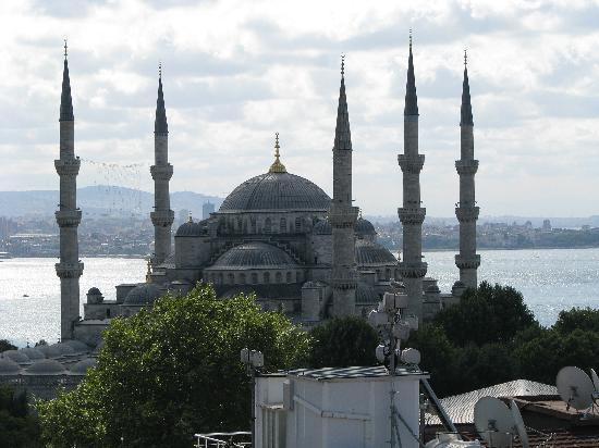 Hotel Mina: View from the terrace at the Sultanahmet Camii