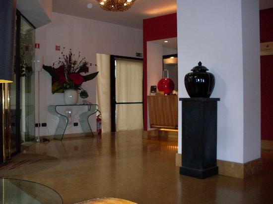 Hotel Plaza Opera: la hall