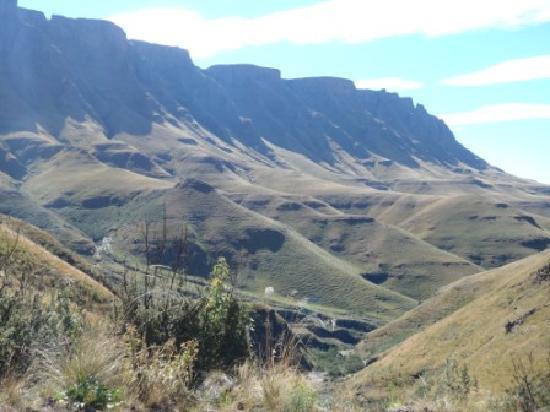 Sani Mountain Lodge: Beautiful view driving up