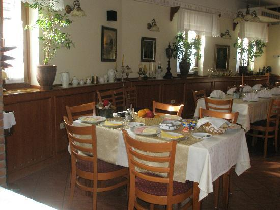Martinov Hram Dining Room