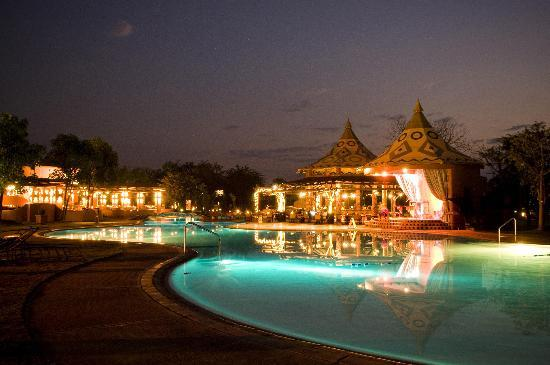 AVANI Victoria Falls Resort: Night view of Zambezi sun