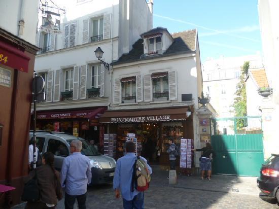 Hotel Bearnais: local life