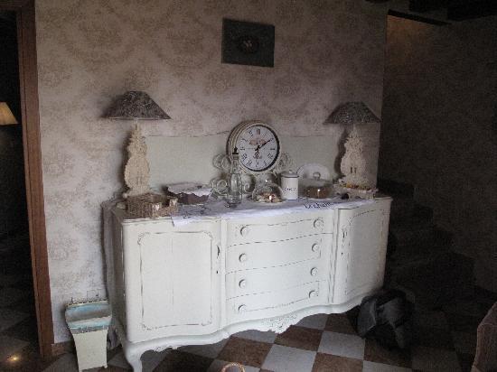 b&b Your Nest: Eingangsbereich, Esszimmer