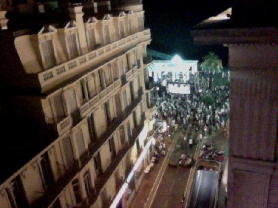 เลอพาเล เดอลาเมดิเตรานี: Party Night on Promenade