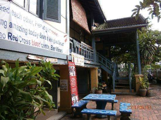 Lao Red Cross Sauna and Massage : Upstairs to the massage rooms