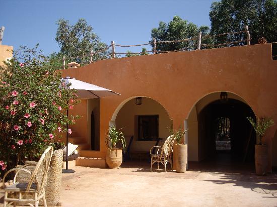 Riad Baoussala : patio