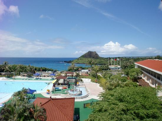 Howard Beach Resort Kenting: 部屋から小湾と青蛙石