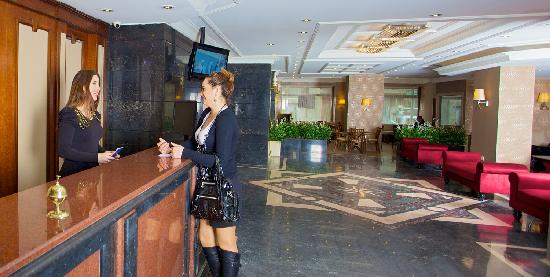 Grand Emin Hotel: RECEPTION DESK
