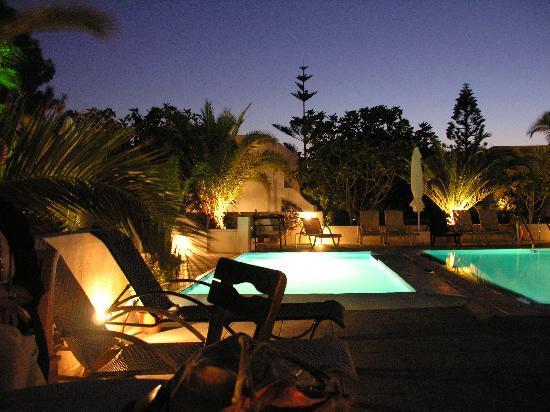 Pelagos Hotel-Oia: la zona piscina