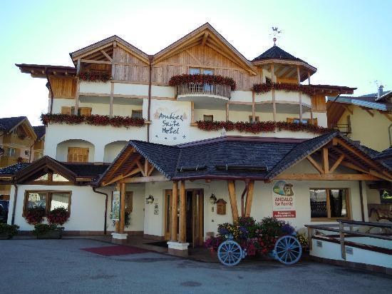 Ambiez Suite Hotel : esterno albergo