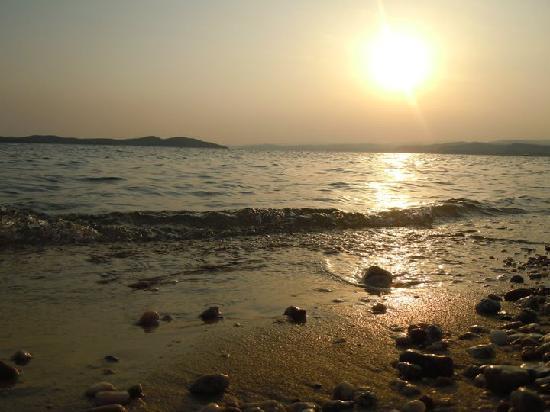 Akrathos Beach Hotel: beautifull  sunset at Aktahos beach