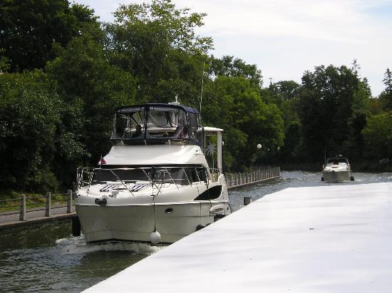 Paul's Boat Lines 4