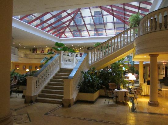 Iberostar Parque Central: The impressive lobby