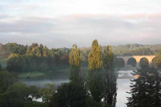 La Tour Blanche : View of lake