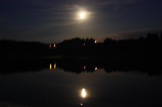 La Tour Blanche : Moonlit Lake
