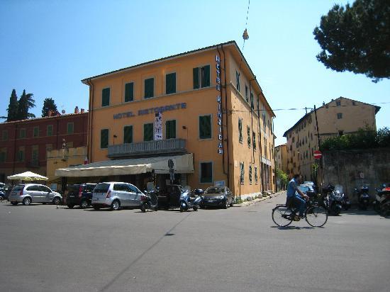 Hotel Villa Kinzica: vue de la face avant