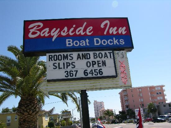 The Bayside Inn & Marina: Sign