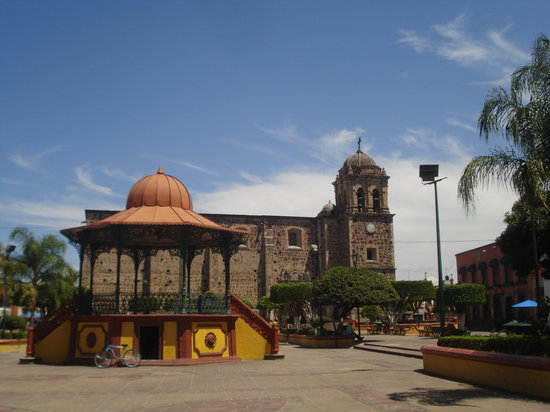 La Rojeña: Tequila, The main square