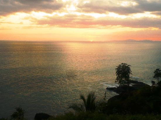 Torio, Panama: 10 min. walk to the beach or river for beautiful sunsets and beachwalks
