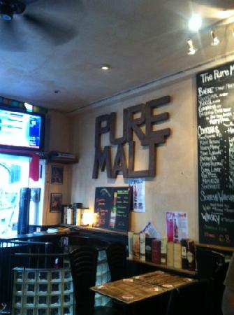 The Pure Malt : your local in Paris.