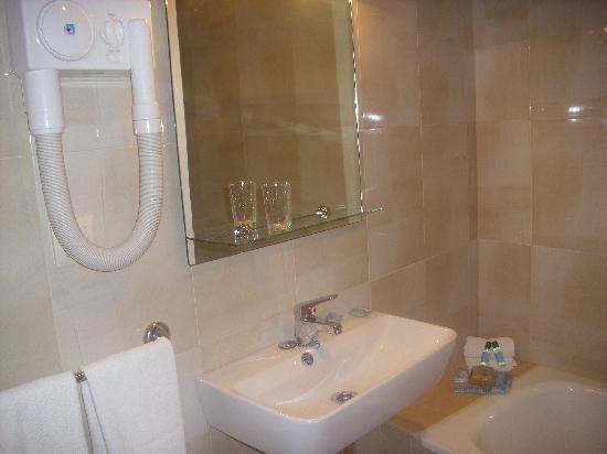 Hotel Amandi: Baño