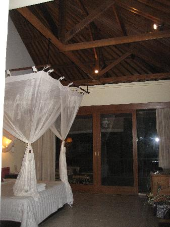 Putri Ayu Cottages: camera delux