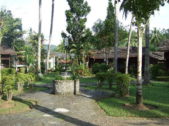 Minahasa Prima Resort: The gardens