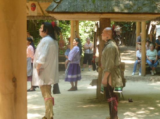 Oconaluftee Indian Village: 10 minute show