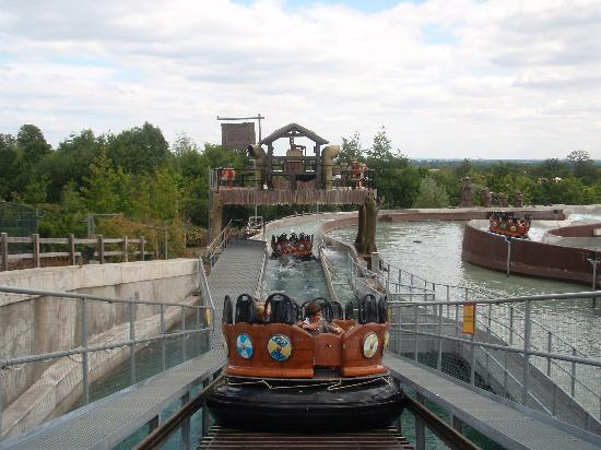 """End section of the """"Viking Rapids"""" wet ride - Picture of Legoland ..."""