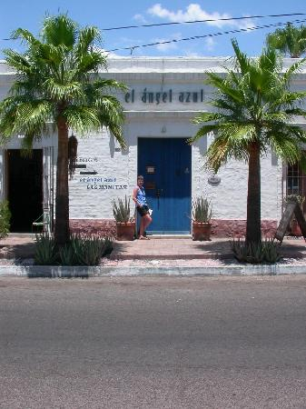 El Angel Azul Hacienda: the entrance to el ángel azul