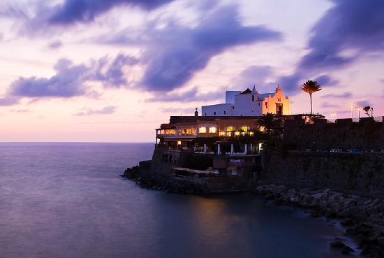 Piccolo Hotel Umberto a Mare: Con sole 10 Camere*** a picco sul Mare