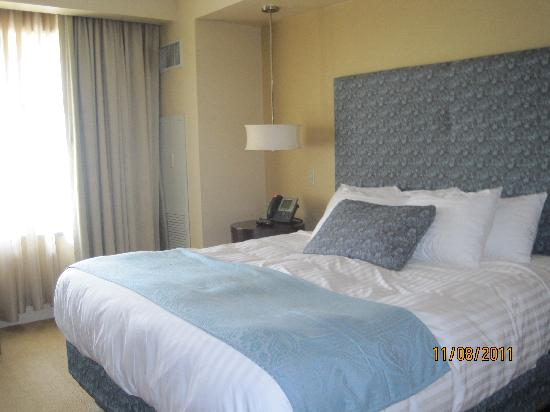 Mount Airy Casino Resort: King size guest room