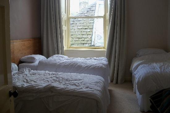 Kirklands Hotel: Larger bedroom ( sleeps3 )