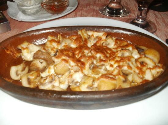Umut Cafe: yummie Garlic Mushrooms