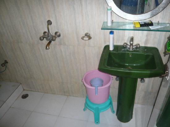 Maya Hotel & Restaurant: salle d eau