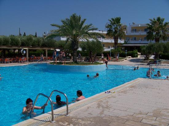 Alex Beach Hotel: Swimming Pool No.1