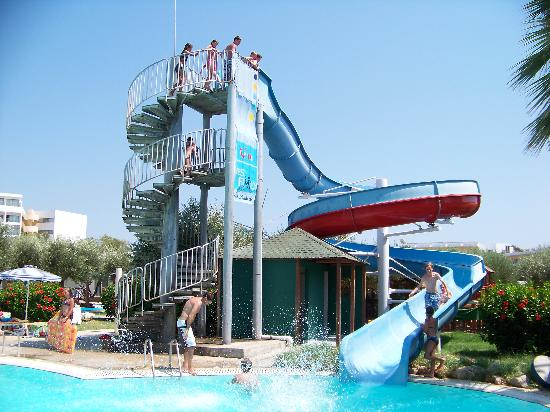 Alex Beach Hotel: Slide at the swimming pool No.2