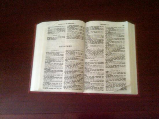 La Quinta Inn & Suites Dodge City: Bible